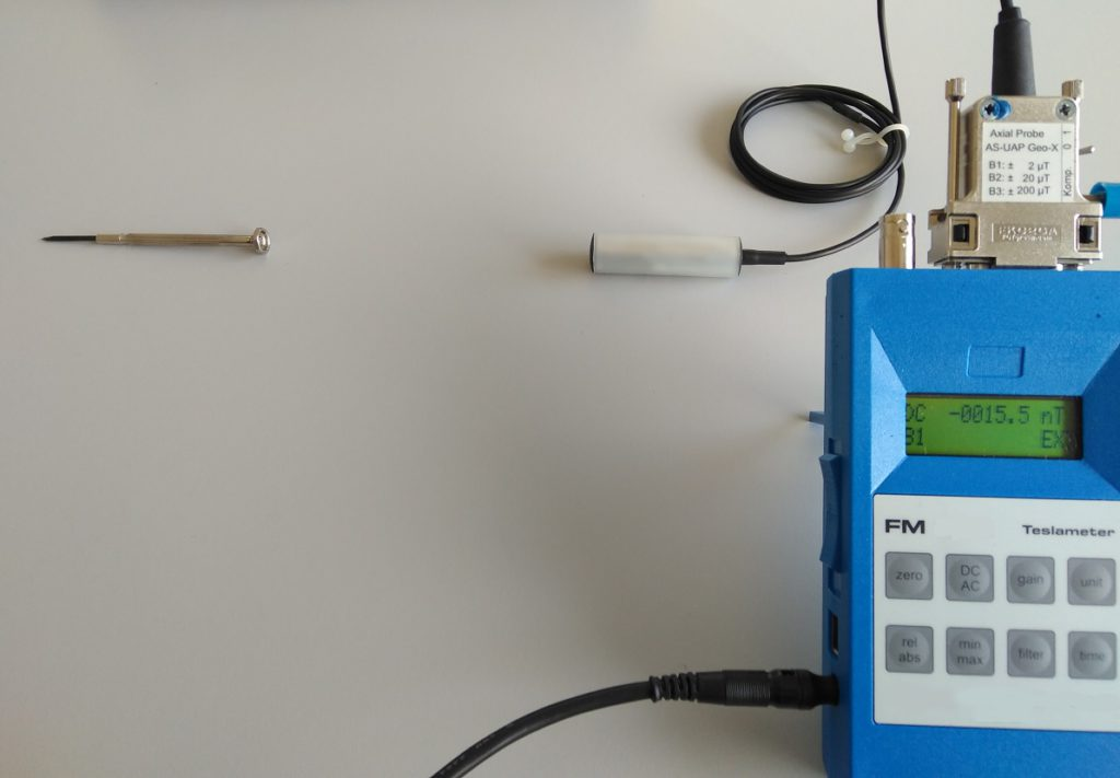 Teslamètre FM302 avec sonde AS-UAP GEO-X